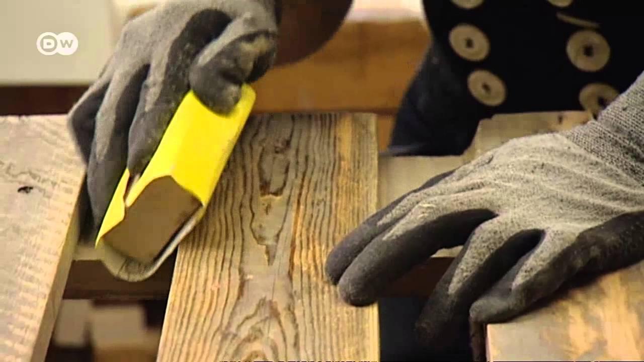 صناعة اثاث من الخشب