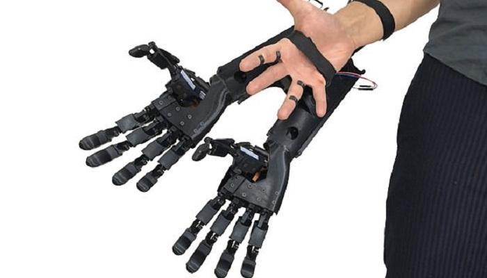 ابتكار يد صناعية