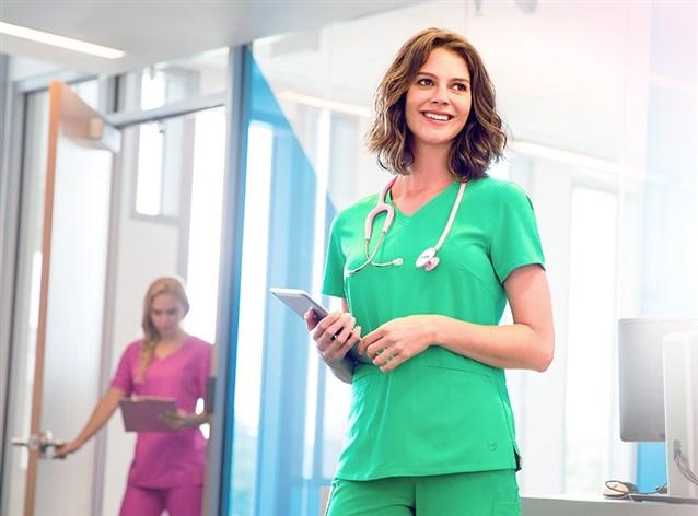 معنى ألوان ملابس الأطباء