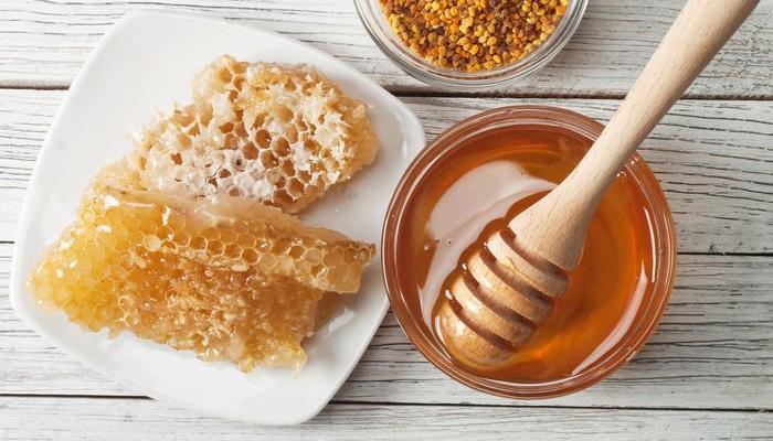 العسل للخدود
