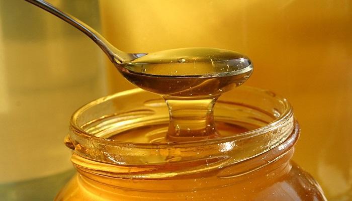 العسل على الريق للقولون