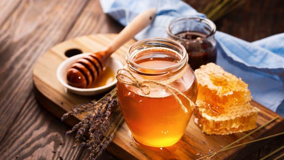 العسل على الريق ينحف