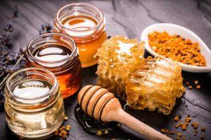 طرق استخدام العسل لعلاج القولون