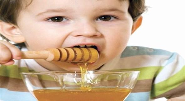 العسل للاطفال على الريق