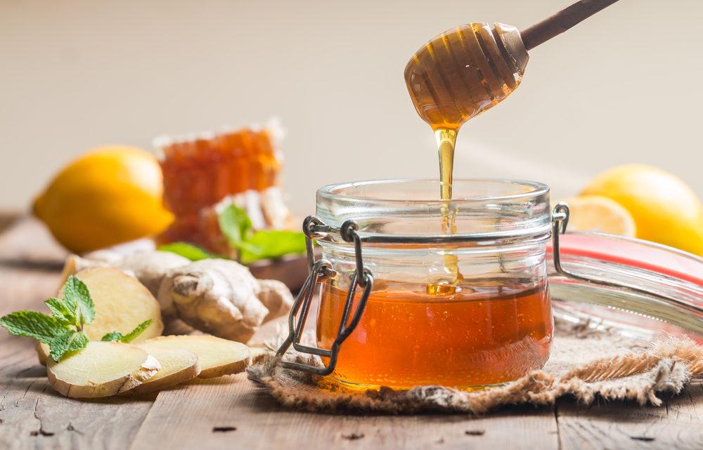 العسل قبل عمر السنة