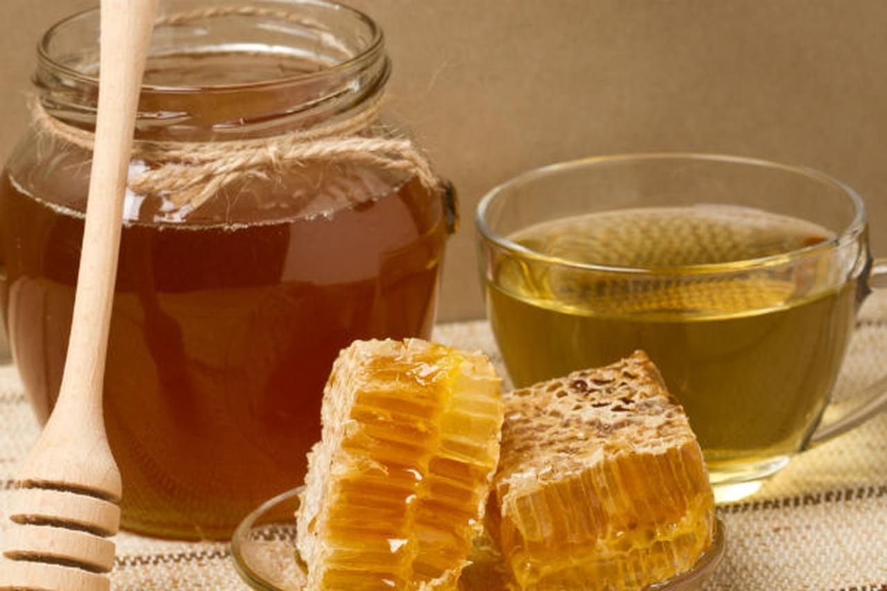 طريقة علاج حساسية العين بالعسل