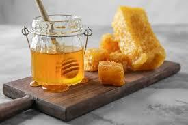 هل العسل مفيد للحامل في الشهر الخامس؟