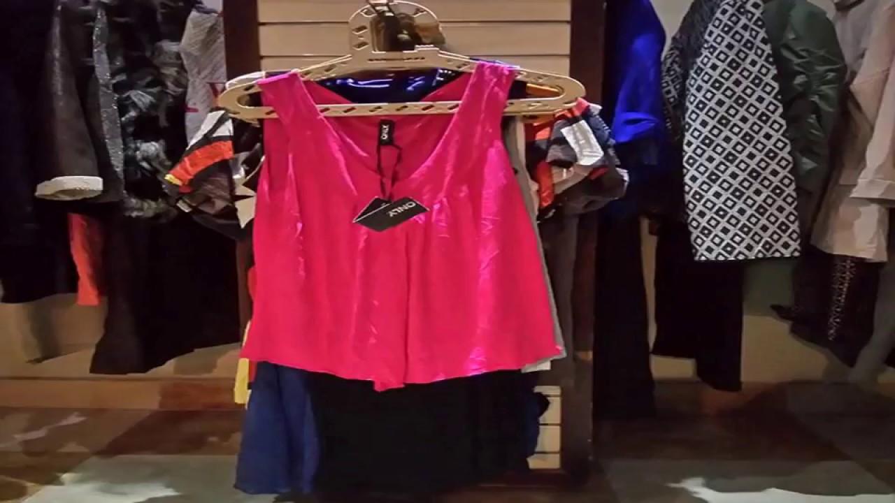 كيفية استيراد ملابس استوكات