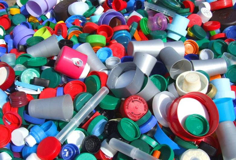 تجارة بلاستيك بالجمله