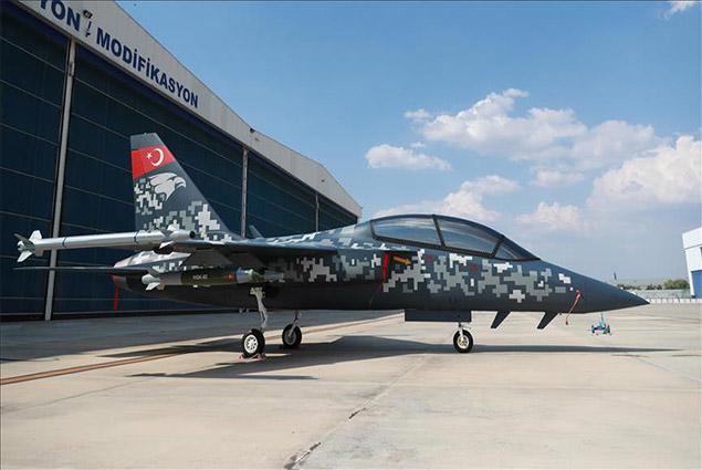 طائرة حربية تركية الصنع